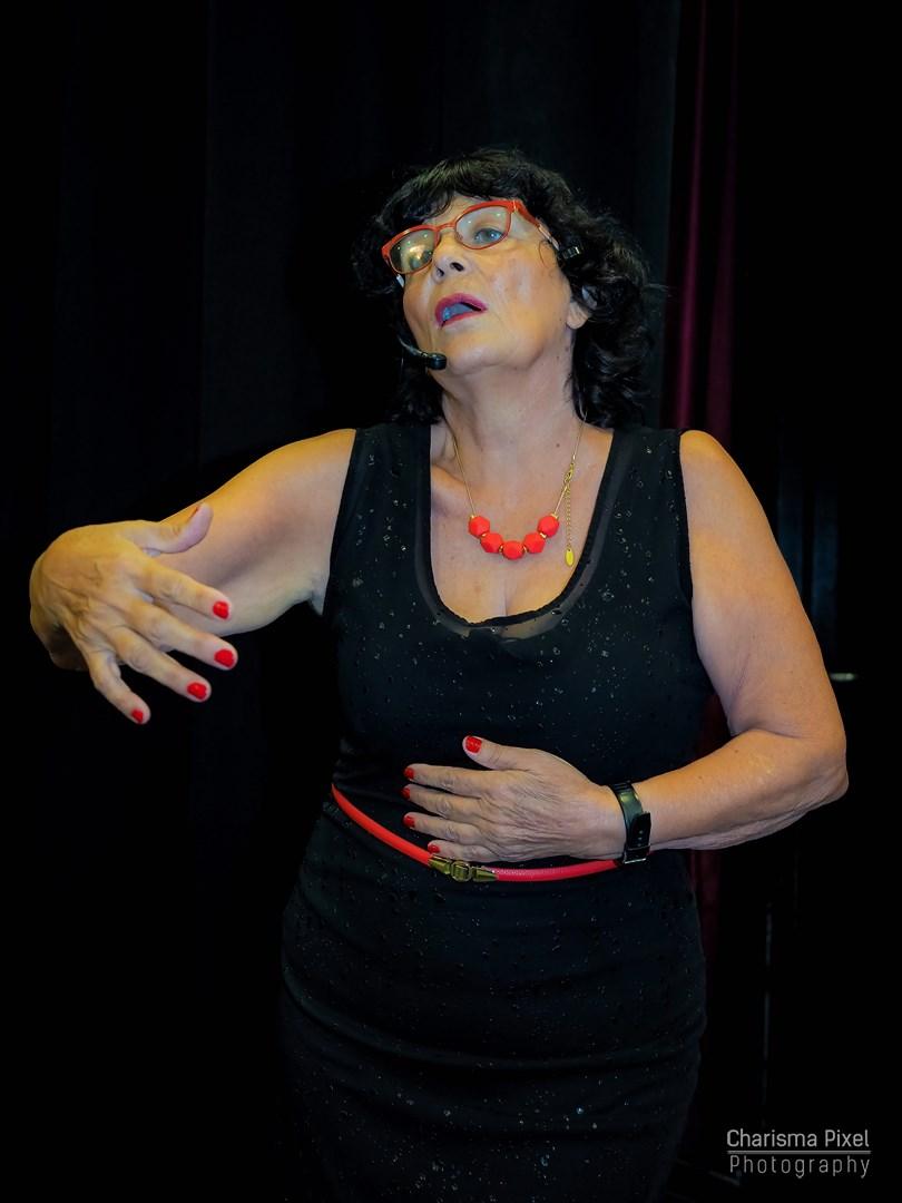 עדנה קנטי | מספרת סיפורים, פעילות גיבוש ערכית ומלאת הומור או חוג בית מהנה